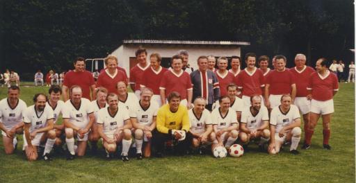 7. Juni 1985, 25 Jahre SV Pfaffenhausen; VfB Traditionself im Einsatz